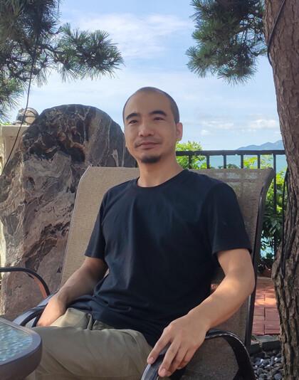 东书房签约艺术家王志:用画笔做沂蒙大地的有形歌手
